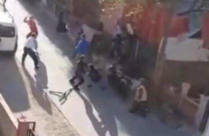 Antalya'da taşlı sopalı kavga!