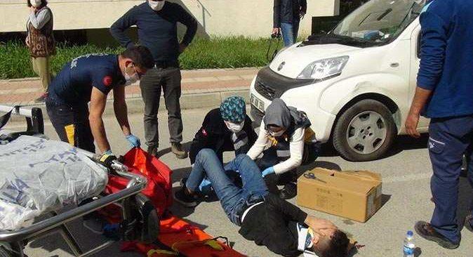 Antalya'da bisiklet ticari araca çarptı! Bisikletli yaralandı
