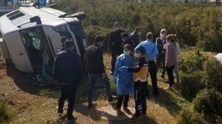 Antalya'da üniversite personelini taşıyan minibüs kaza etti! Ölü ve yaralılar var...