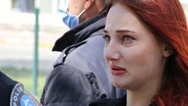 Antalya'da denetimi ihlal eden genç kız, sevgilisine ceza yazıldı diye gözyaşlarını tutamadı
