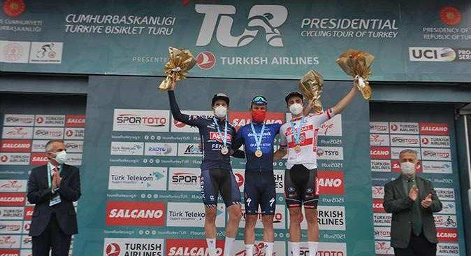 Cumhurbaşkanlığı Bisiklet Turu'nda Mark Cavendish üst üste 3. etabını kazandı