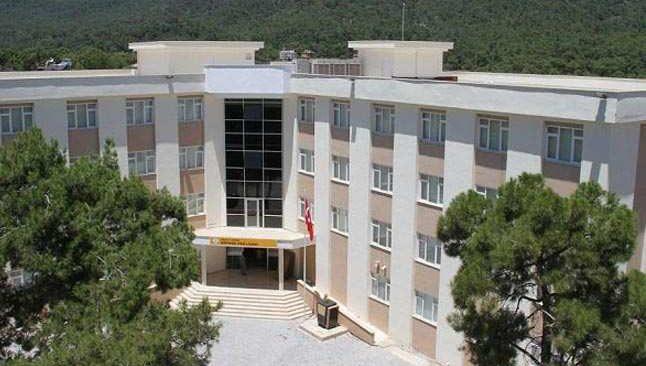 Artan vakalar sonrası Antalya'da öğretmenlere 'koronavirüslü öğrenci' nöbeti