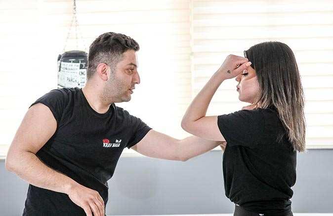 Antalyalı kadınlar kendilerini korumak için krav maga öğreniyor