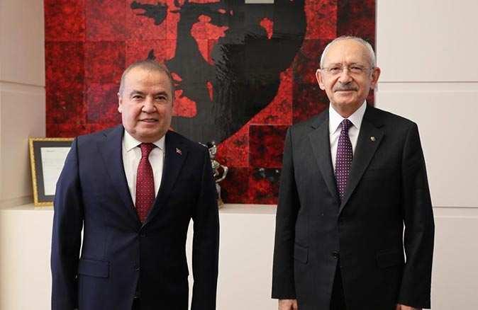 Başkan Böcek CHP lideri Kılıçdaroğlu'na projelerini anlattı