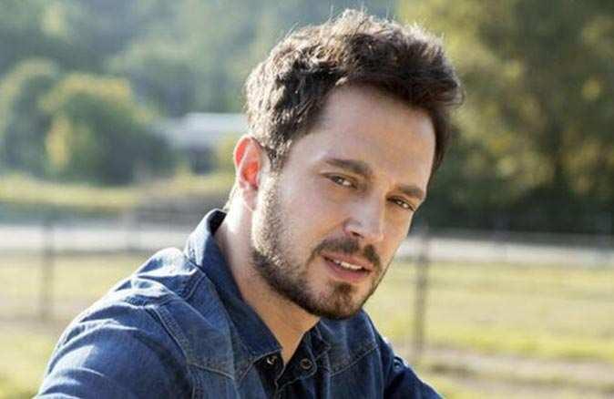 Ünlü şarkıcı Murat Boz koronavirüse yakalandı