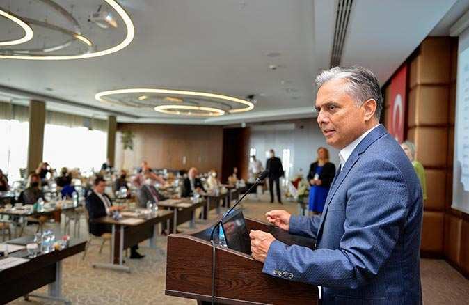 Muratpaşa Belediye Başkanı Ümit Uysal'dan iş kadınlarına çağrı