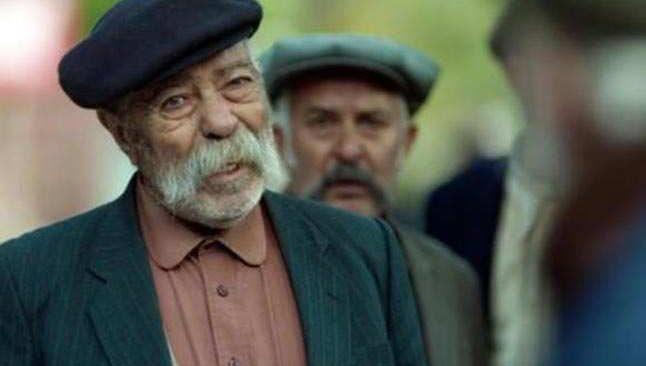 Usta oyuncu Erol Demiröz, 81 yaşında hayatını kaybetti
