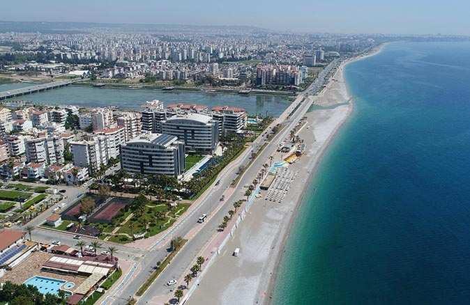Tam kapanma ilk gününde Antalya'da trafiğinde yoğunluk yaşandı