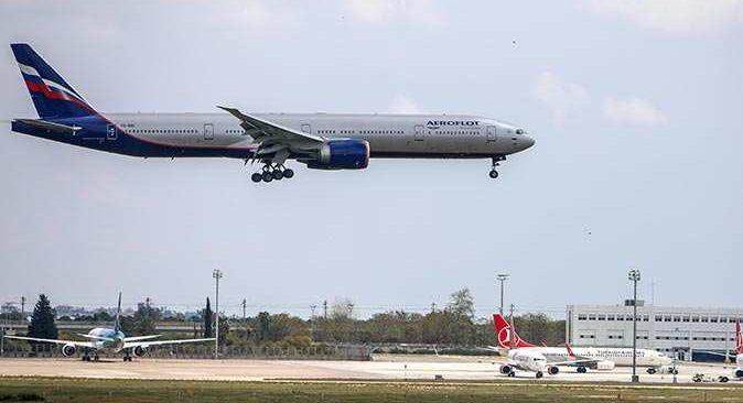 Rusya'nın kararının ardından uçaklar Antalya'ya boş gelip dolu dönüyor