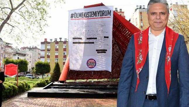 Antalya'da kaldırılan dilekçe, Al Yazma Anıtı'na asıldı