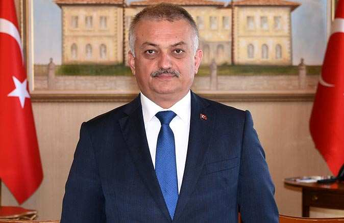 Antalya Valisi Ersin Yazıcı'dan 23 Nisan mesajı