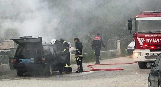 Antalya'da yol ortasında cayır cayır yandı