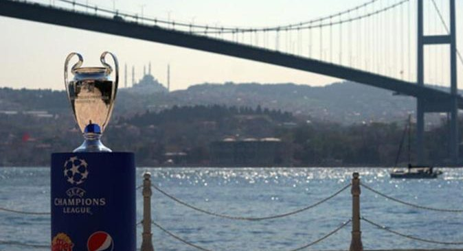Şampiyonlar Ligi finali İstanbul'dan  Portekiz'e alındı
