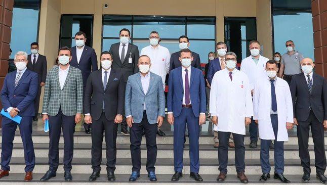 Bakan Çavuşoğlu, Antalya'da... Hastane yönetimini ziyaret edip brifing aldı