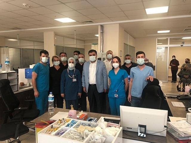Antalya Sağlık-Sen'den sağlıkçılara bayram ziyareti