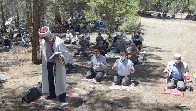 Antalyalı çiftçiler yağmur duası yaptı