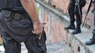 Brezilya'da çete polisle çatıştı! 25 kişi hayatını kaybetti