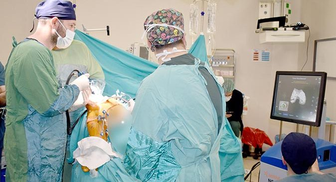 Emekli öğretmen Nursel Başar Antalya'da sağlığına kavuştu