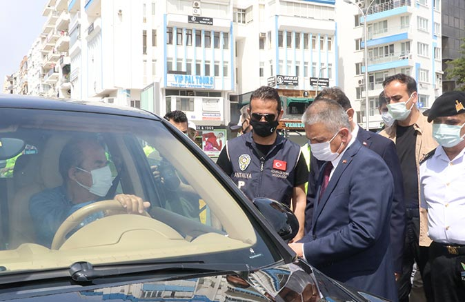 Vali Ersin Yazıcı Antalya'daki yoğun bakım doluluk oranı açıkladı