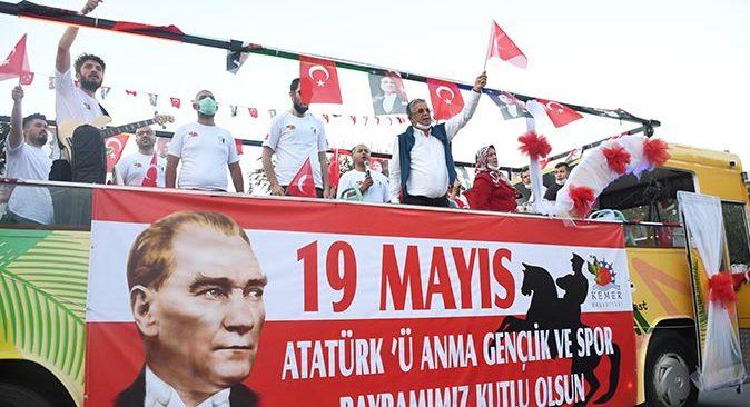 Kemer'de 19 Mayıs Atatürk'ü Anma, Gençlik ve Spor Bayramı kutlandı