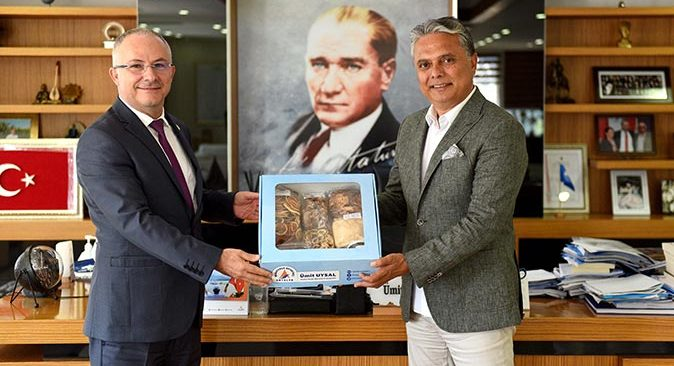 Mustafa Kemal Beyazbayram'dan Ümit Uysal'a ziyaret