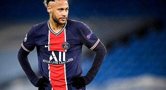 Neymar, PSG ile sözleşmesini 2025 yılına kadar uzattı