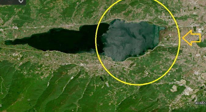 Şişe suyunda lider ve iki ilin içme suyu kaynağı olan Sapanca Gölü'nün rengi değişti