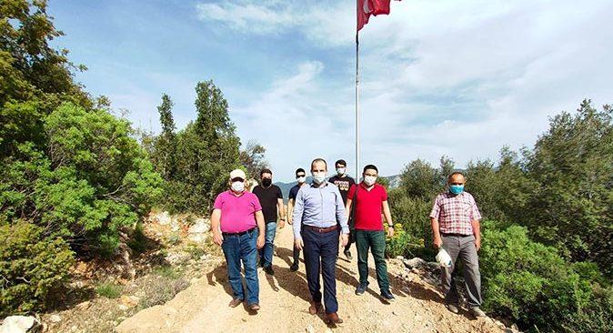 Rüzgar sebebiyle kopan Türk Bayrağı yenisiyle değiştirildi