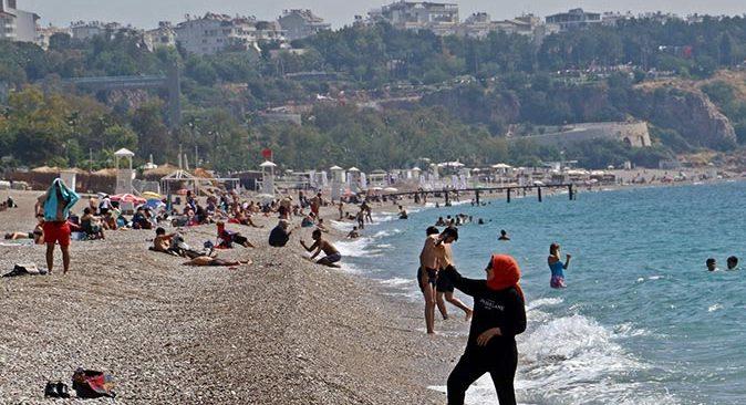 Antalya'da tedbirler işe yaradı! Kent turuncu bölgeye geçti