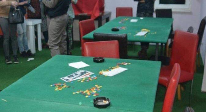 Antalya'da evde kumar oynadılar! 110 bin 568 lira ceza yediler