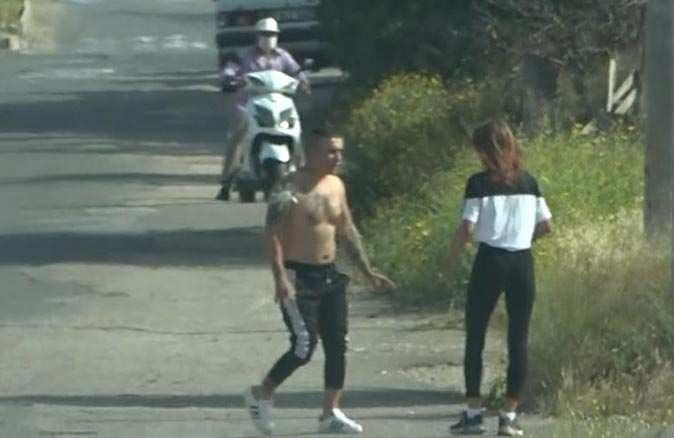 Antalya'da yarı çıplak halde arabadan inip genç kadının üzerine yürüdü!