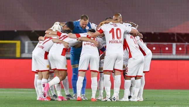 Antalyaspor'un '1000'ler sezonu kupa finaliyle noktalandı