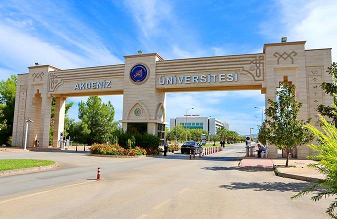 Akdeniz Üniversitesi'nde hemşirelerin Covid-19 sürecinde yaşadıkları sorunlar konuşulacak