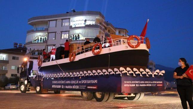 Temsili Bandırma Vapuru 19 Mayıs için Antalya yollarında