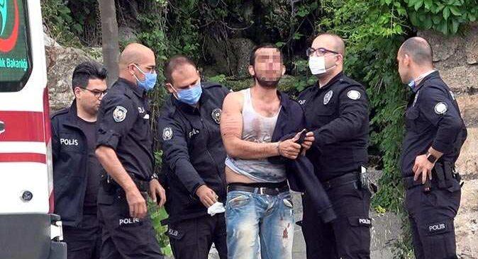 Antalya'da kendisine bıçakla zarar vermek istedi! Ekipler alarma geçti