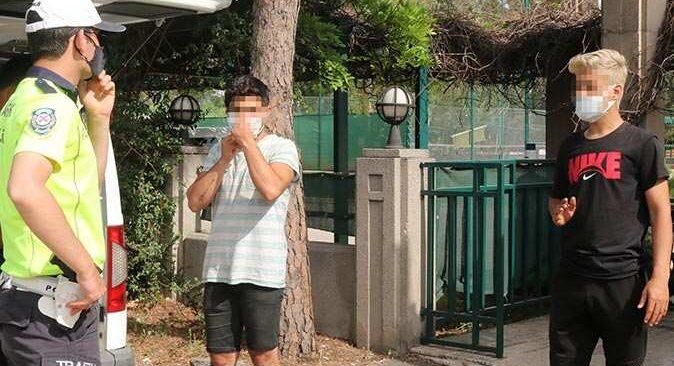 Antalya'da polisi görünce araçtan indiler, yine de ceza yemekten kaçamadılar