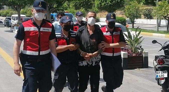 Antalya'daki komşu cinayetinde flaş gelişme! Adliyeye sevk edildiler