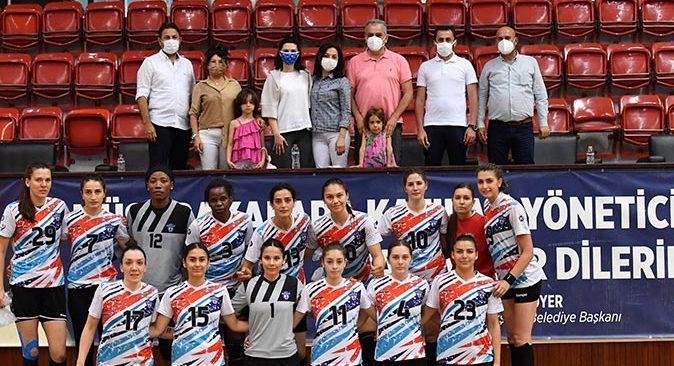 Konyaaltı Belediyesi Kadın Hentbol Takımı'nda hedef final
