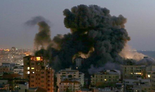 İsrail Gazze'ye yeni saldırı! Hamas Tel Aviv'e 130 roket attı