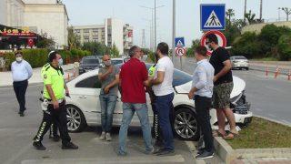 Antalya'da feci kaza sonrası haklılık tartışması! Birbirlerine girdiler