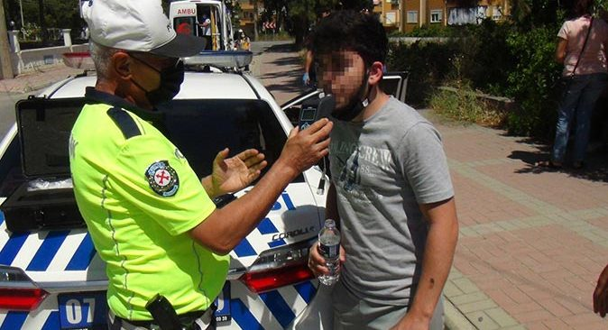 Antalya'da feci kaza! Motosiklet sürücüsü ölümden döndü