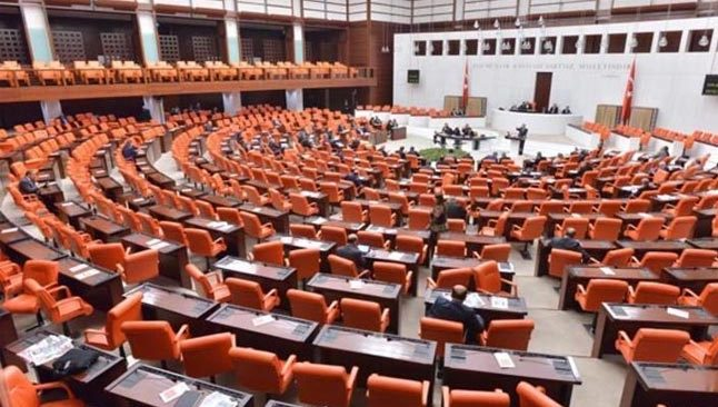 AK Parti, Meclis'e 20 maddelik yeni kanun teklifi sundu