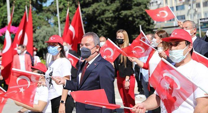 Antalya Büyükşehir Belediyesi'nde 19 Mayıs Atatürk'ü Anma, Gençlik ve Spor Bayramı kutlandı