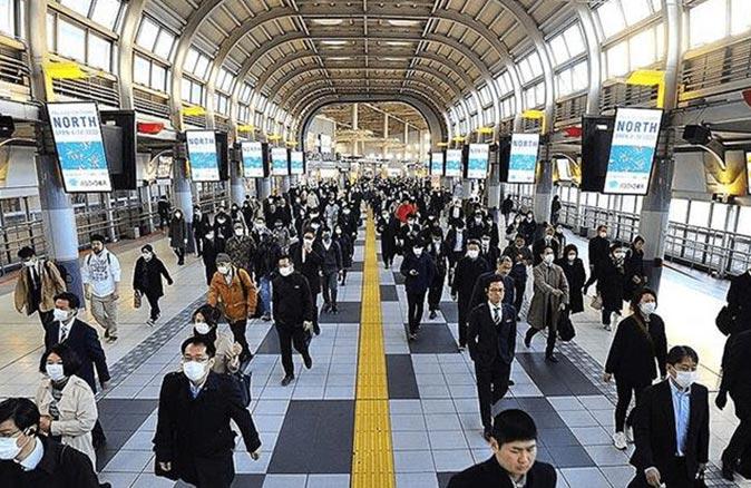 Japonya'da OHAL uzatıldı, Başbakan Suga Yoşihide özür diledi