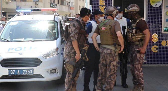 Antalya'da polis bir anonsla harekete geçti, bölgeyi ablukaya aldı