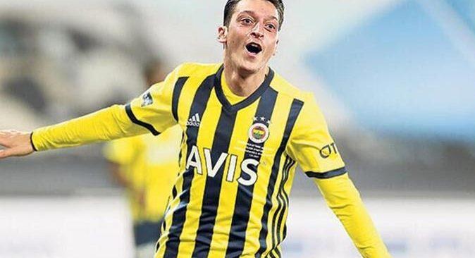 Mesut Özil, Fenerbahçe'nin yeni kaptanı olacak