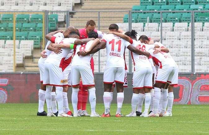 Antalyaspor'un galibiyet hasreti 5 haftaya çıktı