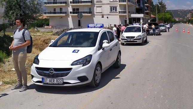 Antalya'da 129 aday ehliyet için ter döktü