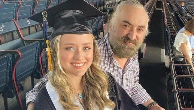 Volkan Konak'ın kızı Amerika'da üniversite bitirdi