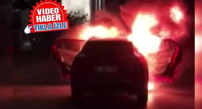 İsrail Konsolosluğu önünde araçlarını yaktılar!